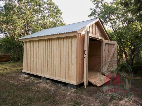 Хозблок- гараж с распашными воротами 4 на 3 метра