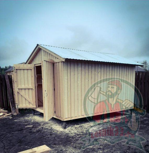Хозблок гараж с распашными воротами 4 на 3 метра (строганная доска)